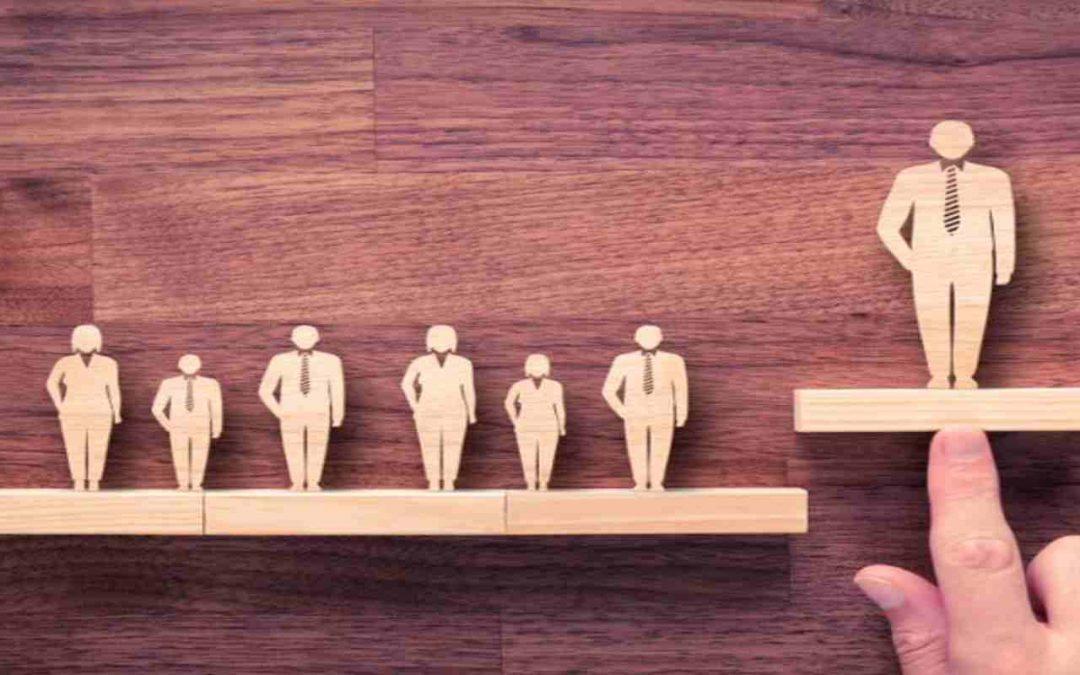 HR Analytics – Using Data to Optimize Workforce